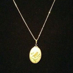 Jewelry - Vintage Necklace (gold tone)